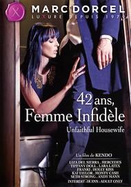 42 ans, Femme Infidèle (Unfaithful Housewife)